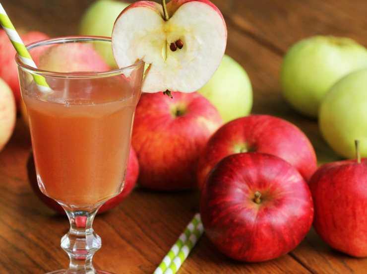 Можно ли яблочный сок при диете